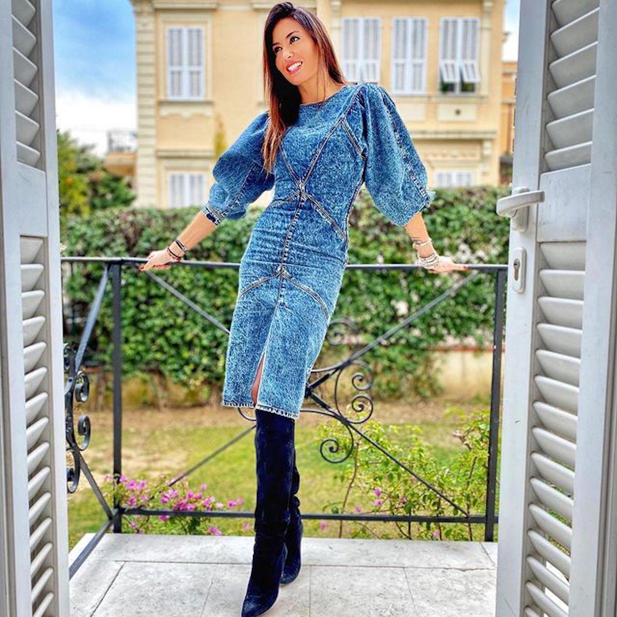 Elisabetta Gregoraci vestita di jeans