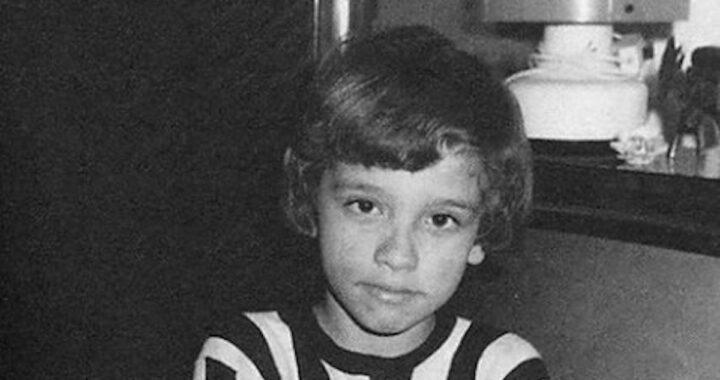L'avete riconosciuto? Questo bambino diventerà uno dei più amati e famosi cantanti italiani