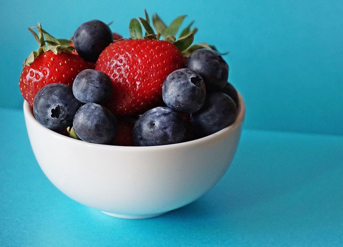 I frutti di bosco fanno bene per contrastare le flatulenze