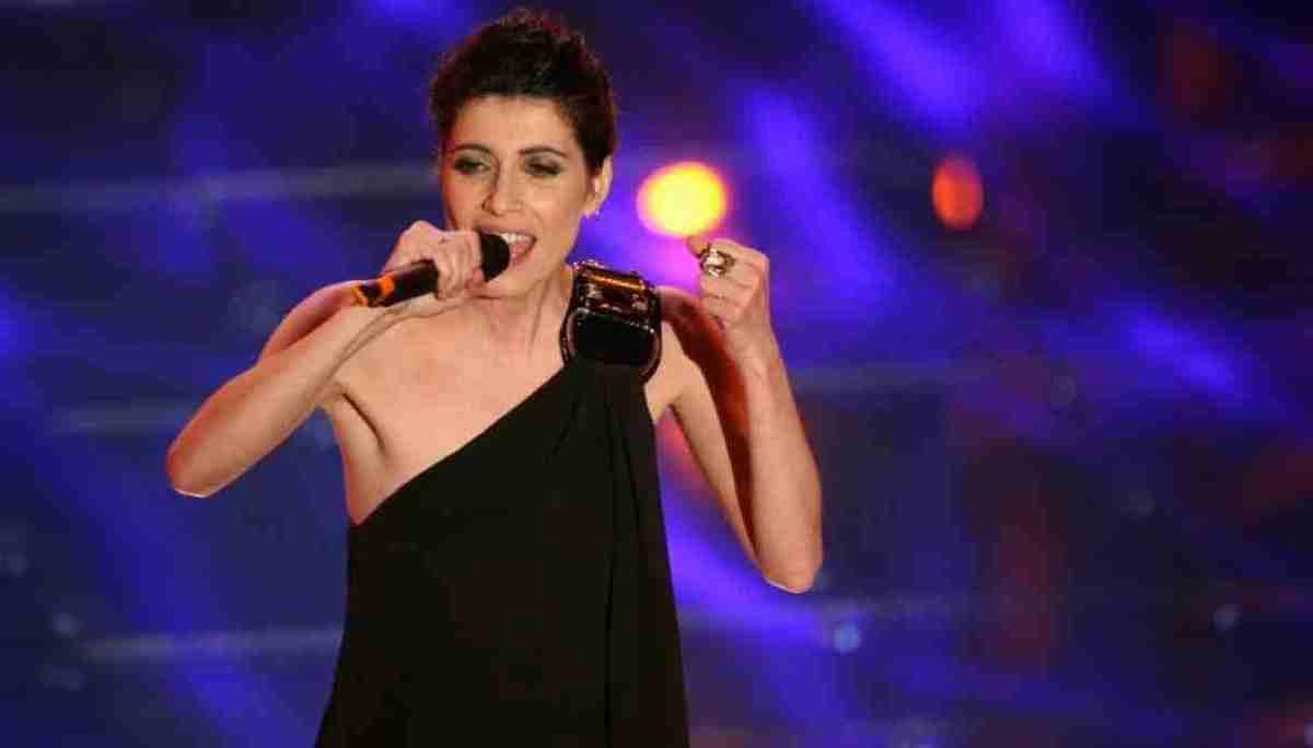 Giorgia calca il palcoscenico