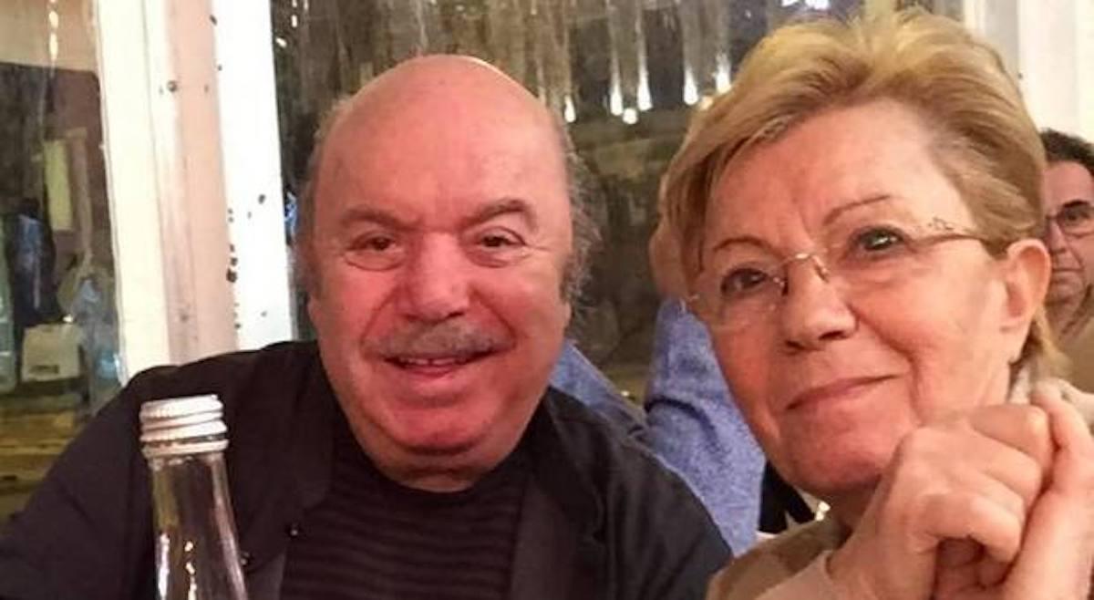 Lino Banfi e la moglie Lucia che sorridono