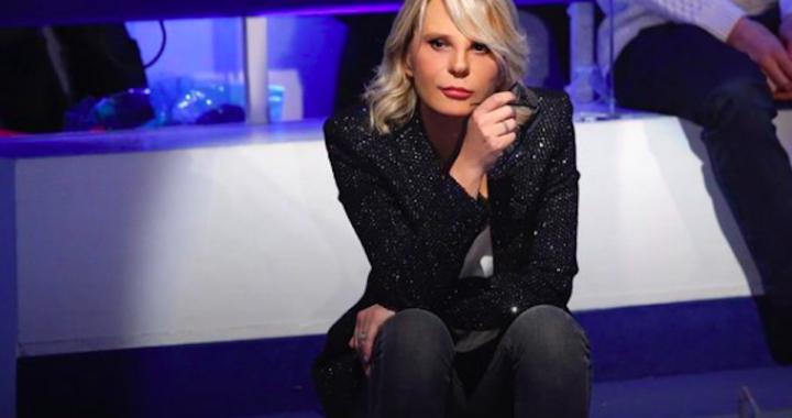 Quanto costa l'abito di Maria De Filippi della puntata di C'è posta per te?