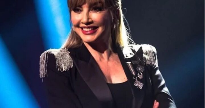 Milly Carlucci che sorride