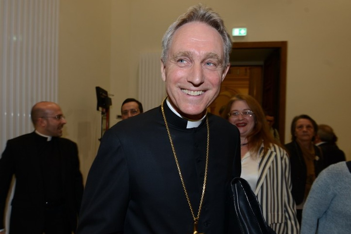 Padre Georg che sorride