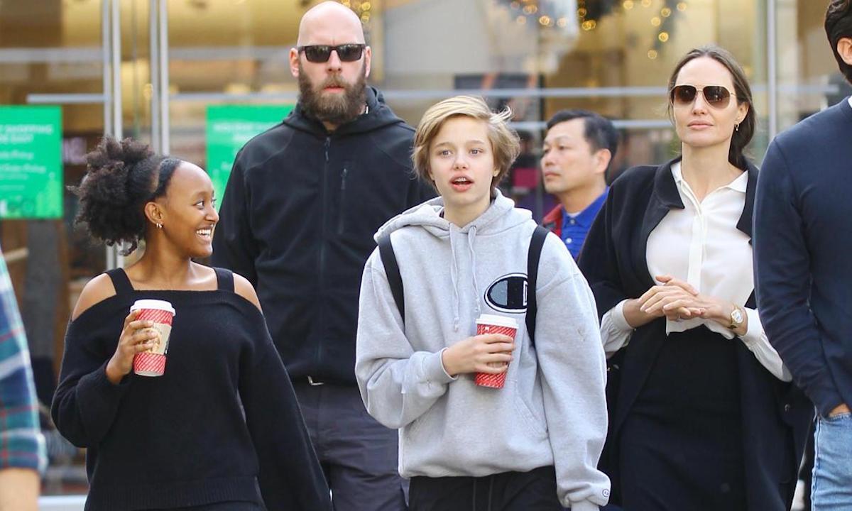 Angelina Jolie porta le figlie a fare shopping