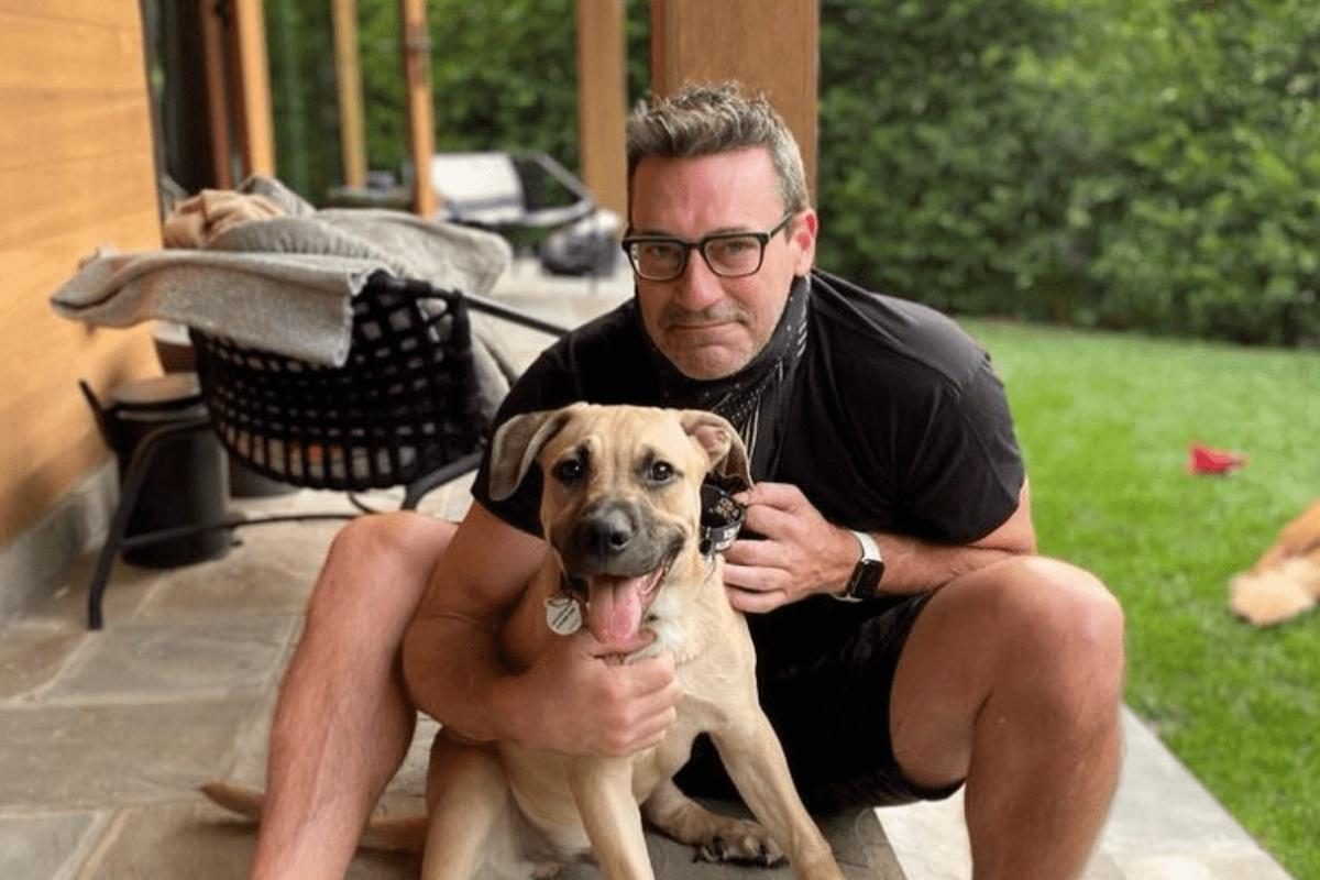 Jon Hamm salva il cane Splash