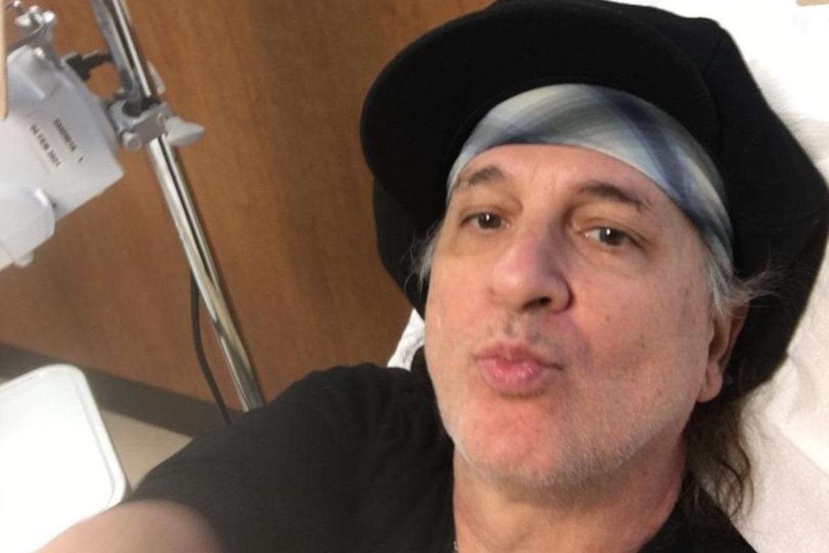 Sylvain Sylvain selfie