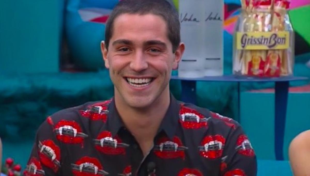 Zorzi Tommaso porta una camicia