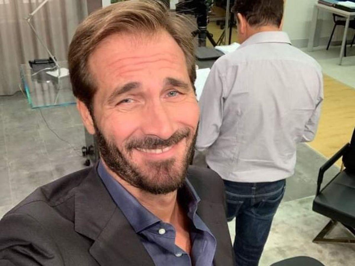 Un posto al sole selfie Maurizio Aiello