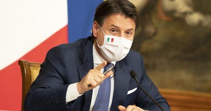 Conferenza stampa: Giuseppe Conte parla delle zone bianche