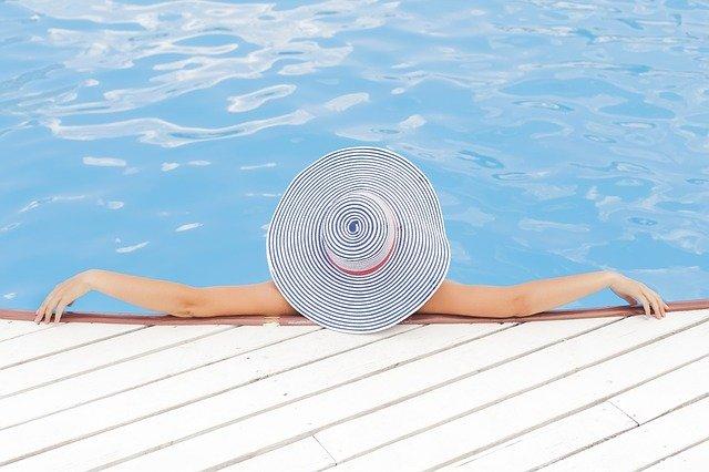 acqua della piscina