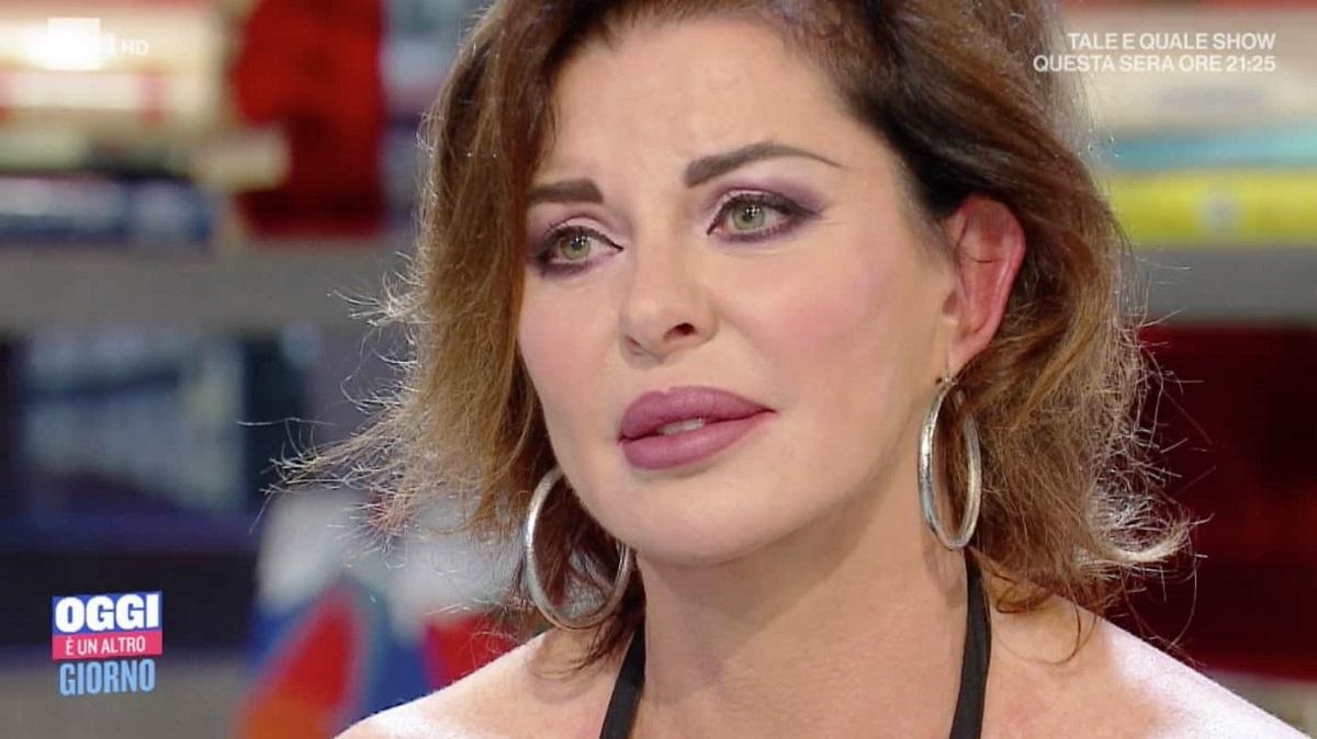 Alba Parietti contro un fan