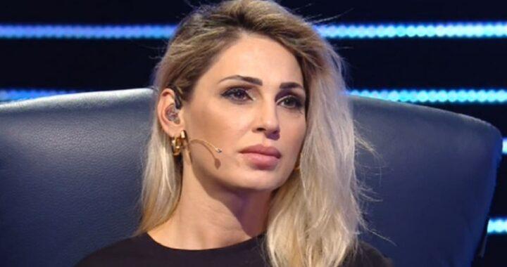 Anna Tatangelo: cosa è successo? Volto gonfio e dolorante