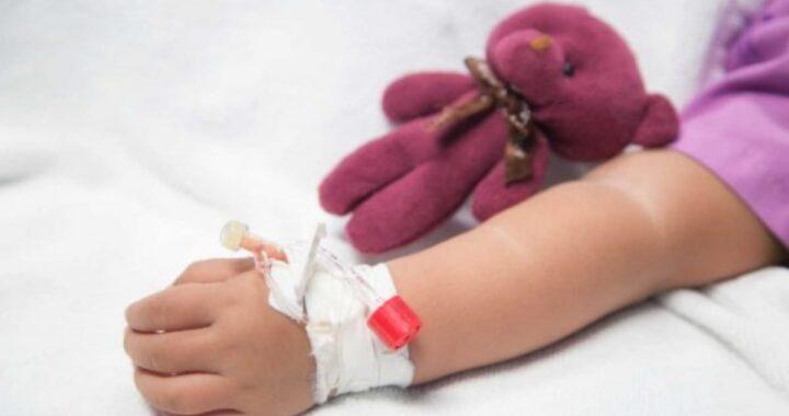 Dolori e febbre che non passa: bambina di 8 anni perde la vita