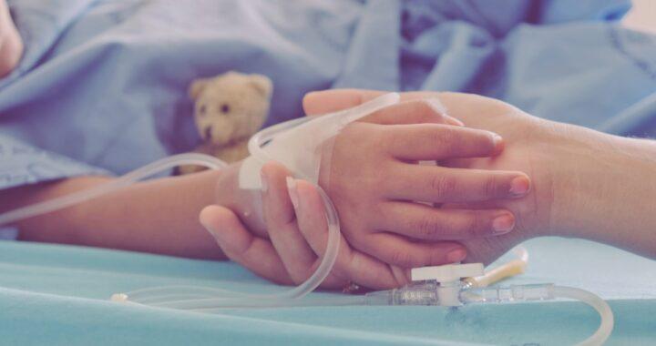 Bimbo di 10 anni arriva in ospedale in condizioni molto gravi: la scoperta dei medici durante i controlli