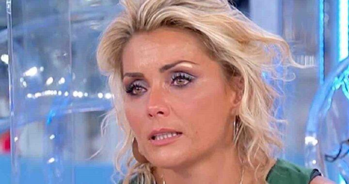 """UeD: Carlotta Savorelli insultata per la sua malattia: """"Sei un cesso"""""""