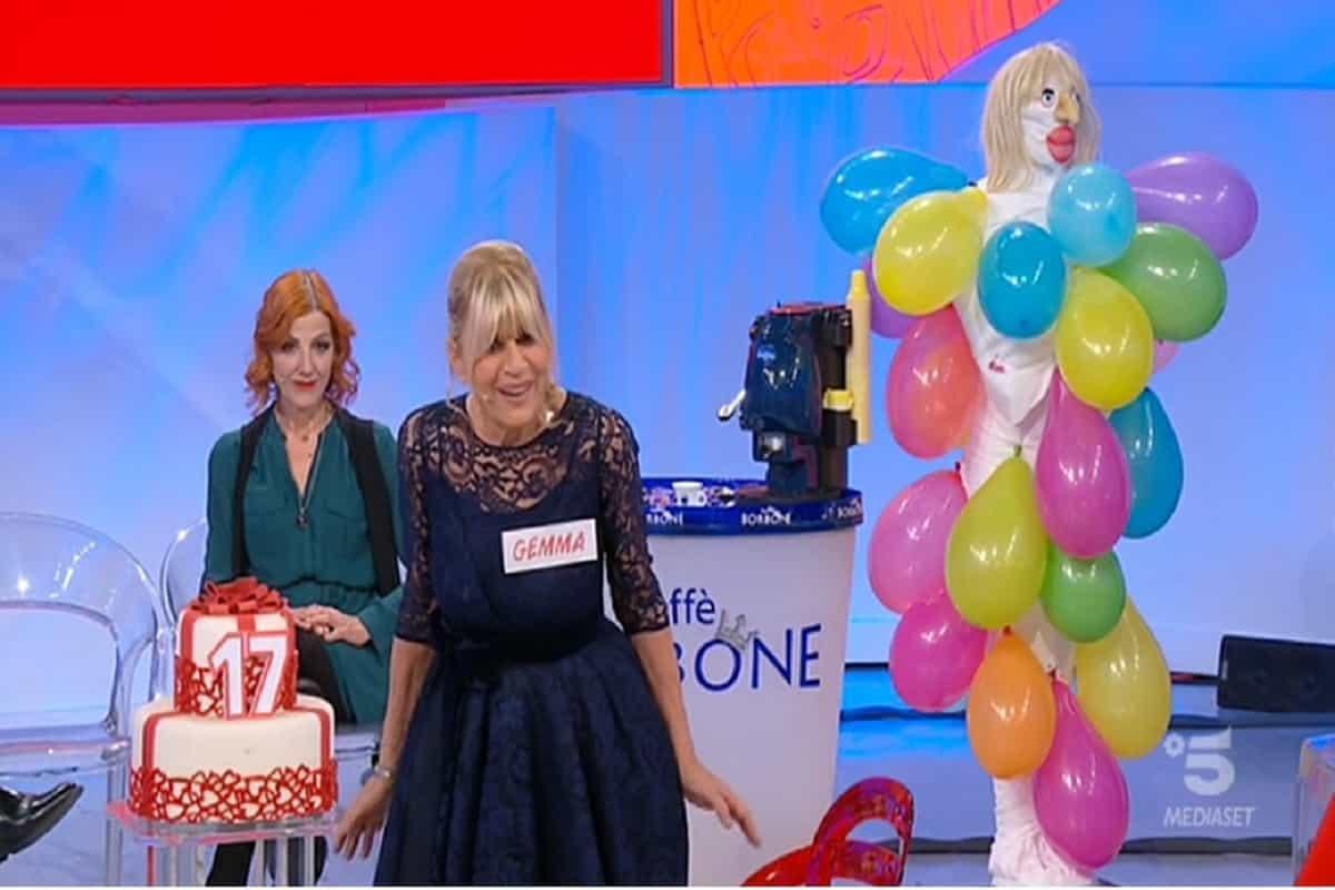 UeD, Gemma Galgani: cosa c'è sulla torta del suo compleanno