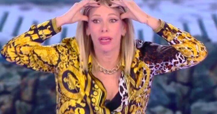 Alessia Marcuzzi protagonista di Fatti e Rifatti a Striscia la Notizia