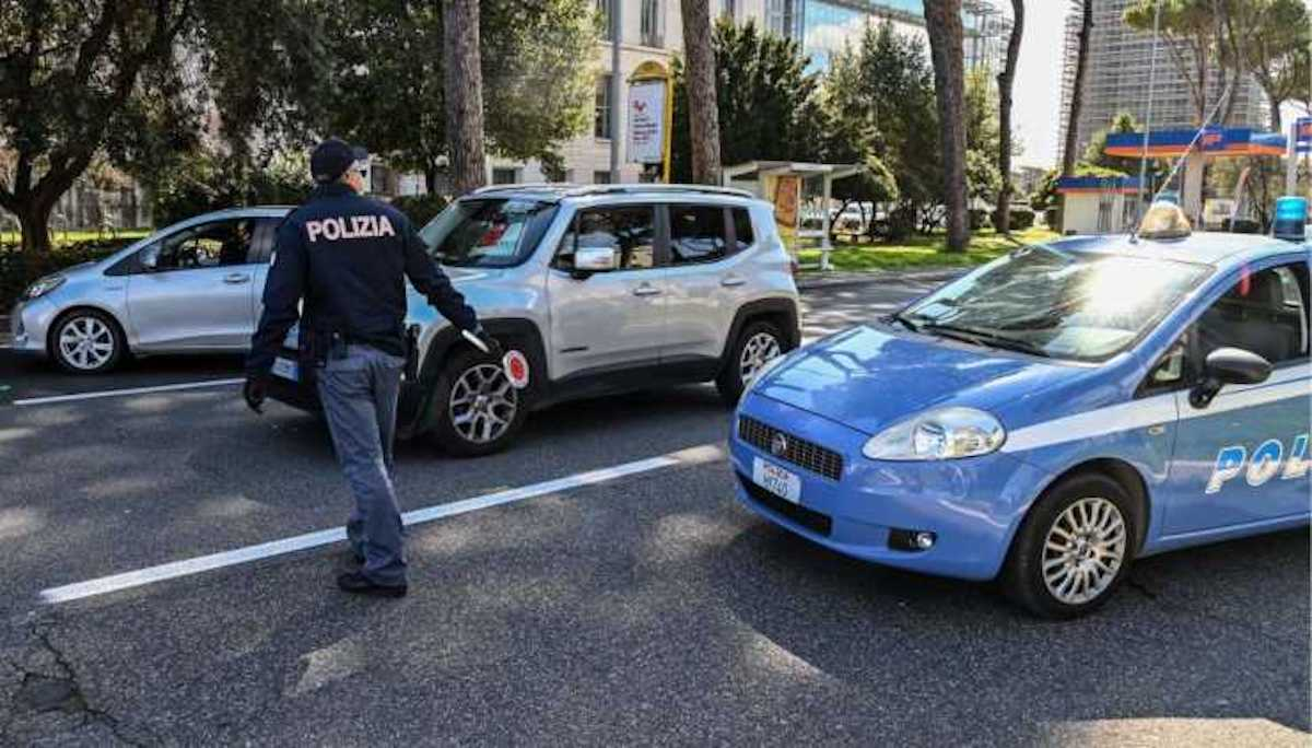 Polizia intervento assalto a Foggia