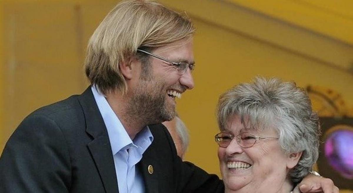 Il dolore di Jurgen Kloop per la morte di sua mamma