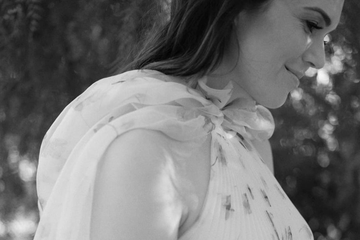 Mandy Moore, incinta, racconta la sua gravidanza