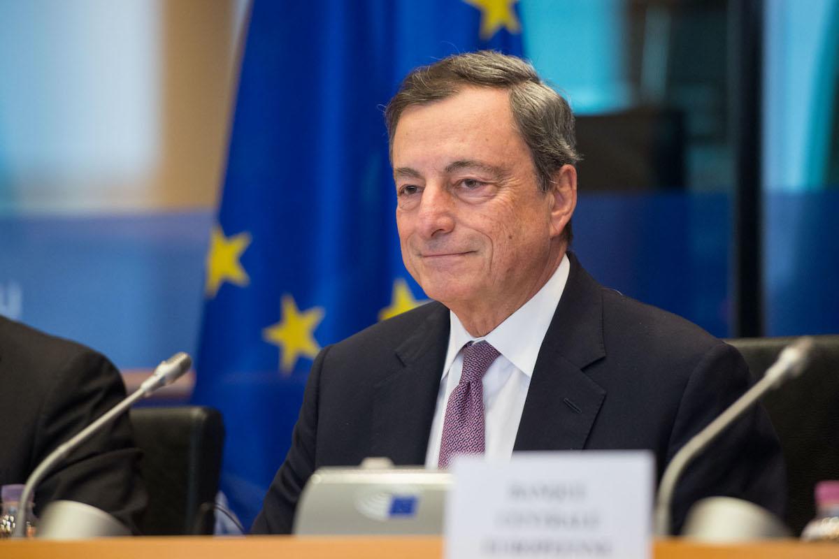 Mario Draghi ad un incontro con la stampa