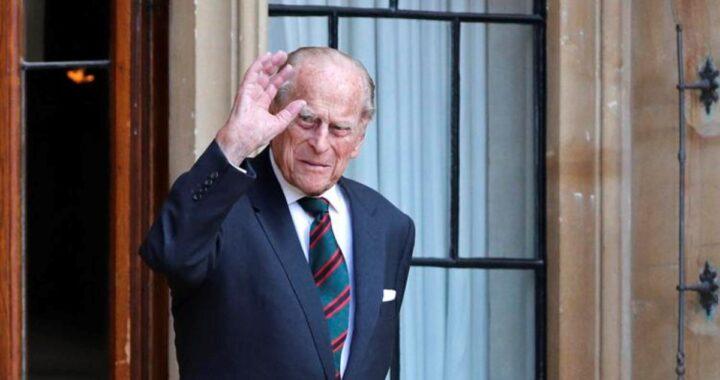 Si allunga il ricovero in ospedale per il Principe Filippo. Il Buckingham Palace chiarisce, per la prima volta, le sue condizioni