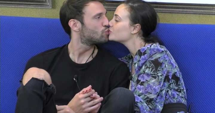 Andrea Zenga svela cos'è successo sotto le coperte con Rosalinda Cannavò