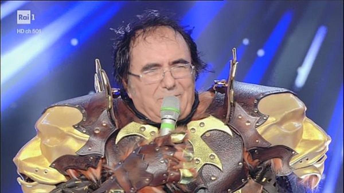 """Al Bano Carrisi durante la trasmissione: """"Il cantante mascherato"""" accusa un malore"""