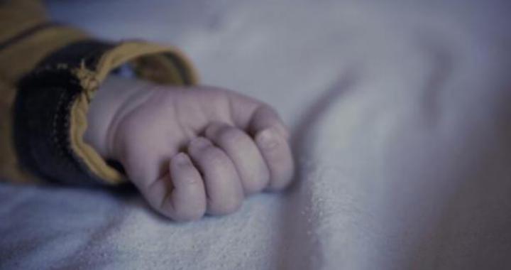 bambina 7 mesi morta