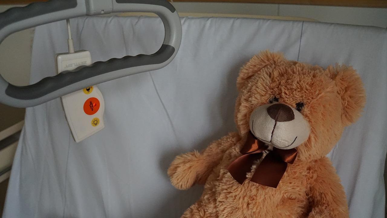 Bimbo ricoverato in ospedale