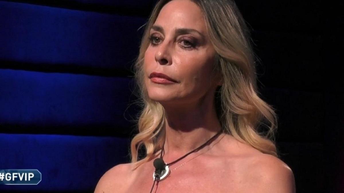 """GF Vip: Alfonso Signorini a Stefania Orlando: """"Sei amica di Tommaso perché è gay?"""""""
