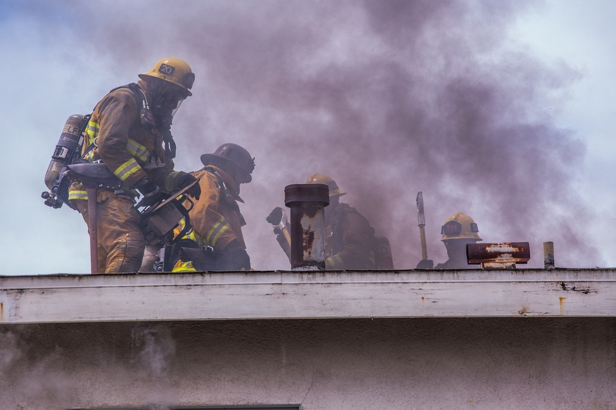 Incendio: morti un uomo, il gatto e il cane