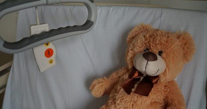 Ha solo 5 anni ed ha già subito 7 interventi: la commovente storia della piccola Christine