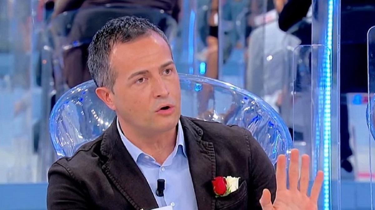 """UeD, stoccata a Guarnieri: """"Problemi nell'intimità"""""""