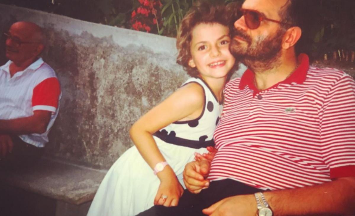 Annalisa Scarrone: la foto da bambina