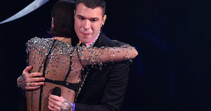 Fedez rompe il silenzio e svela perché ha pianto dopo l'esibizione sul palco dell'Ariston con Francesca Michielin