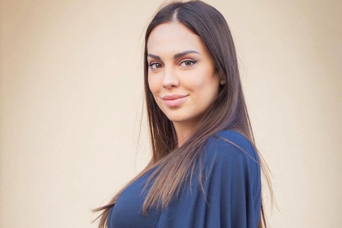 La bimba di Martina Sebastiani si chiamerà Vittoria: è polemica