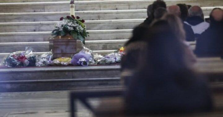 La sorella di Ornella Pinto rifiuta i fiori dei suoceri