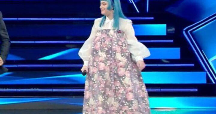 Sanremo 2021, polemiche per l'outfit di Casadilego, la cantante risponde così sui social