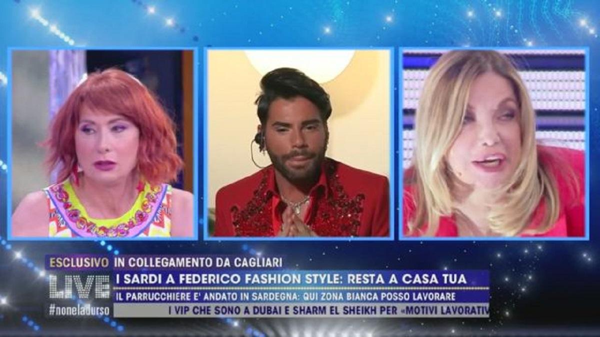 Federico Fashion Style scappa in Sardegna. Si sollevano le polemiche