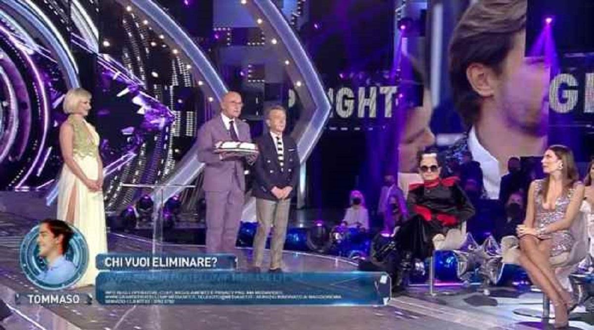 """GF Vip: Alfonso Signorini the joke in Malgioglio: """"It ruined me"""""""