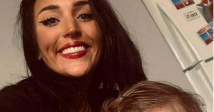 Mamma salva i suoi due gemelli dopo l'incidente, ma lei perde la vita