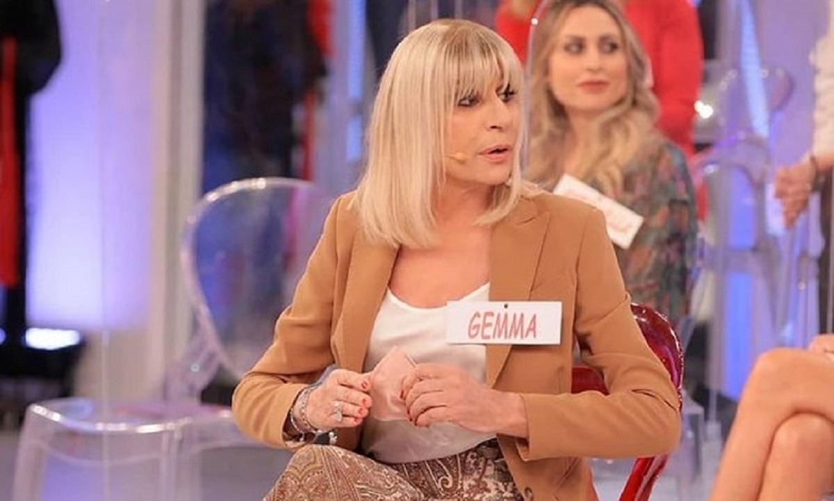 UeD: incidente in studio per Gemma Galgani cadendo dalle scale