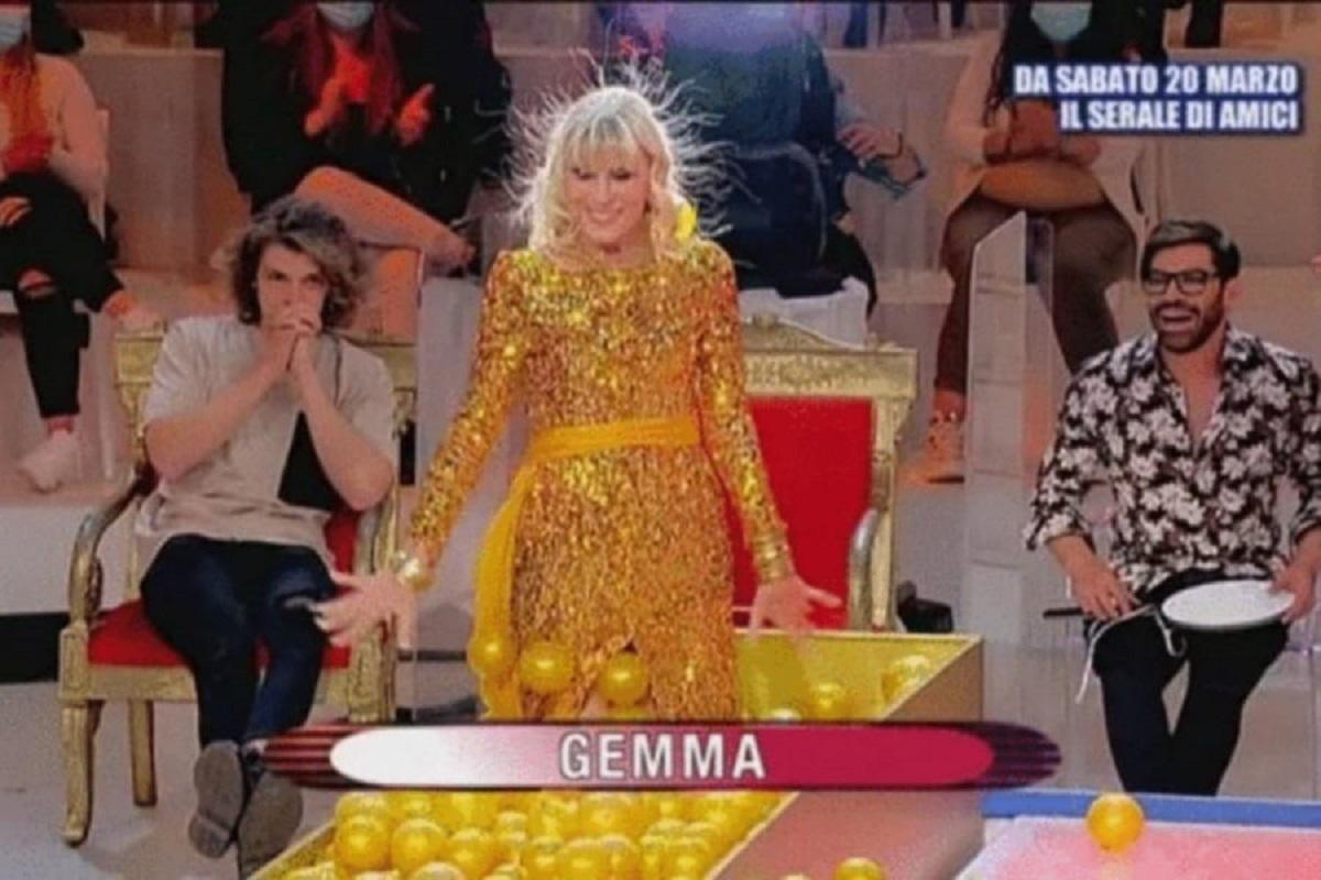 UeD: Tina incredula si rivolge a Gemma