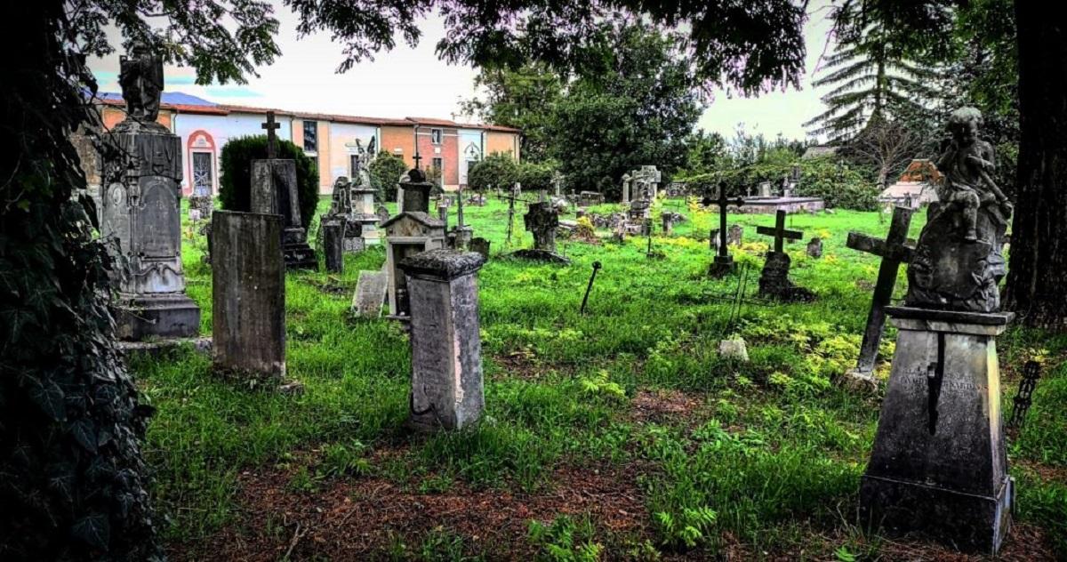 tragedia al cimitero