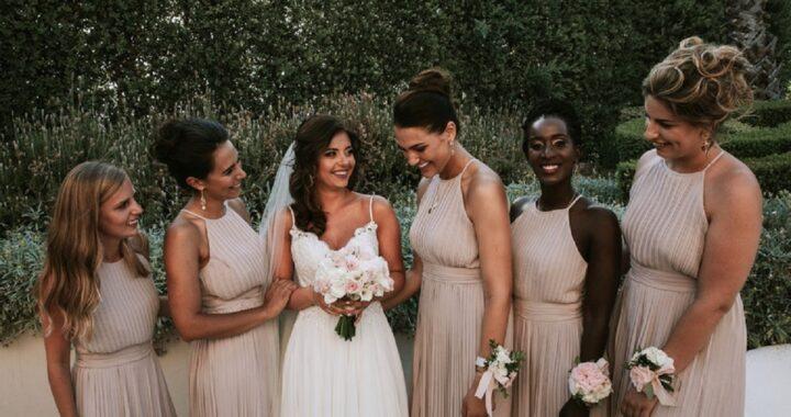 Perché le damigelle ai matrimoni vestono tutte uguali?