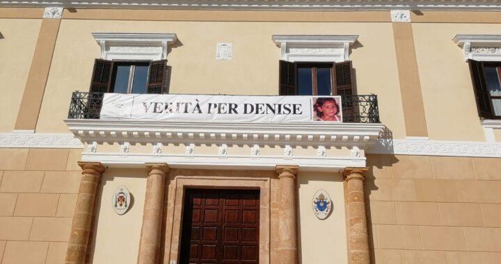 Verità per Denise Pipitone: lo striscione sul palazzo vescovile di Mazara del Vallo