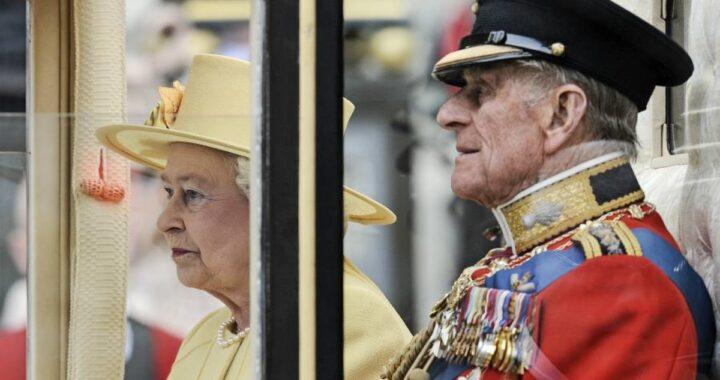 Al funerale del Principe Filippo, accadrà una cosa mai vista nella storia della monarchia britannica: come e dove seguire la funzione in Tv