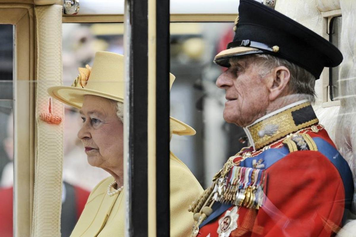 Al funerale del Principe Filippo, nessuno della Famiglia Reale indosserà l'alta uniforme